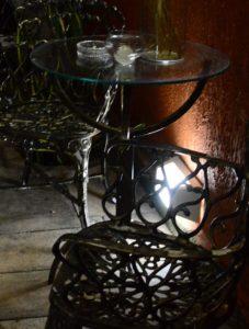 Mesa Bistrô com Tampo de Vidro – Cromada